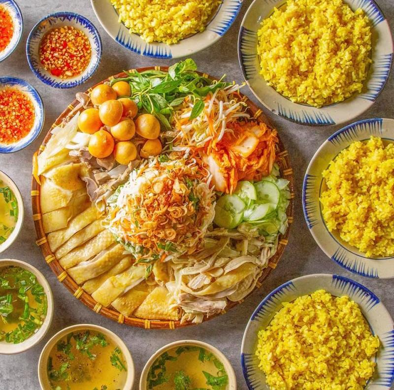 Quán Con Gà Mái - Cơm gà Phú Yên