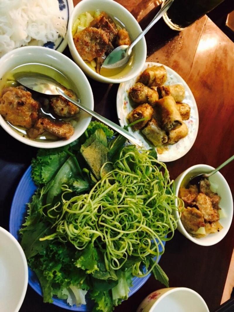 Quán ăn đã cố gắng làm các món ăn Hà Nội phù hợp hơn với khẩu vị người miền Nam.