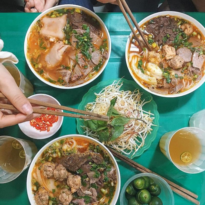 Quán Hoàng - Bún Mắm, Bún Bò & Hủ Tiếu Nam Vang