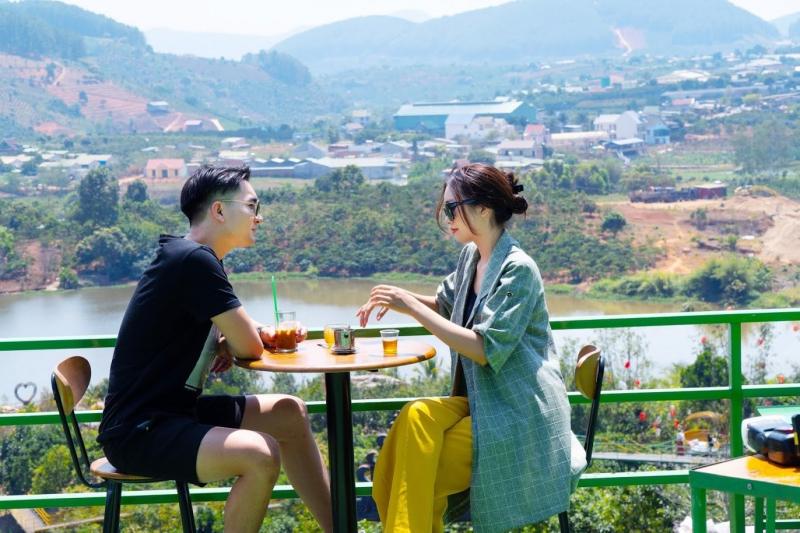 Quán cafe Mê Linh xứng đáng là nơi rộng nhất