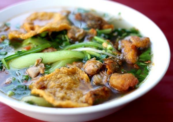 Quán Minh Lộc là quán ăn ngon sẽ mang đến cho bạn món bún ốc, bún cá và bánh đa cá
