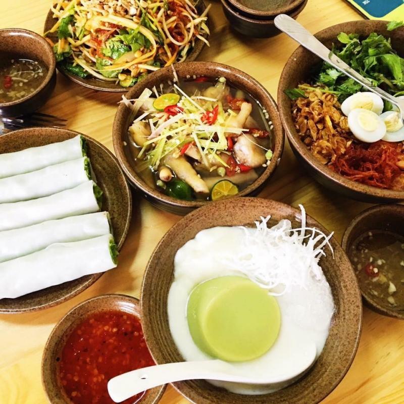 Một số món ăn vặt tại Quán Moon