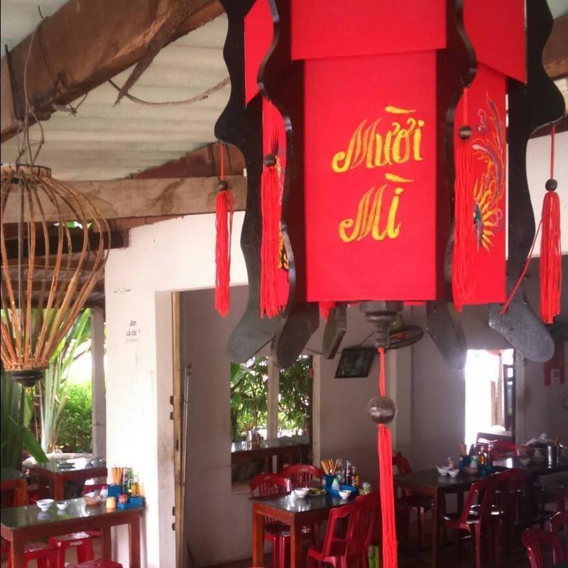 Quán Mười - Mì Quảng & Cao Lầu