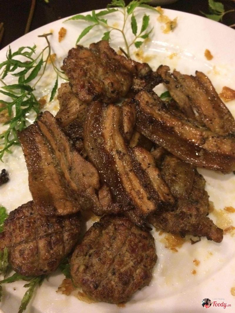 Thịt nướng tại quán được đánh giá là ngon và vừa miệng.