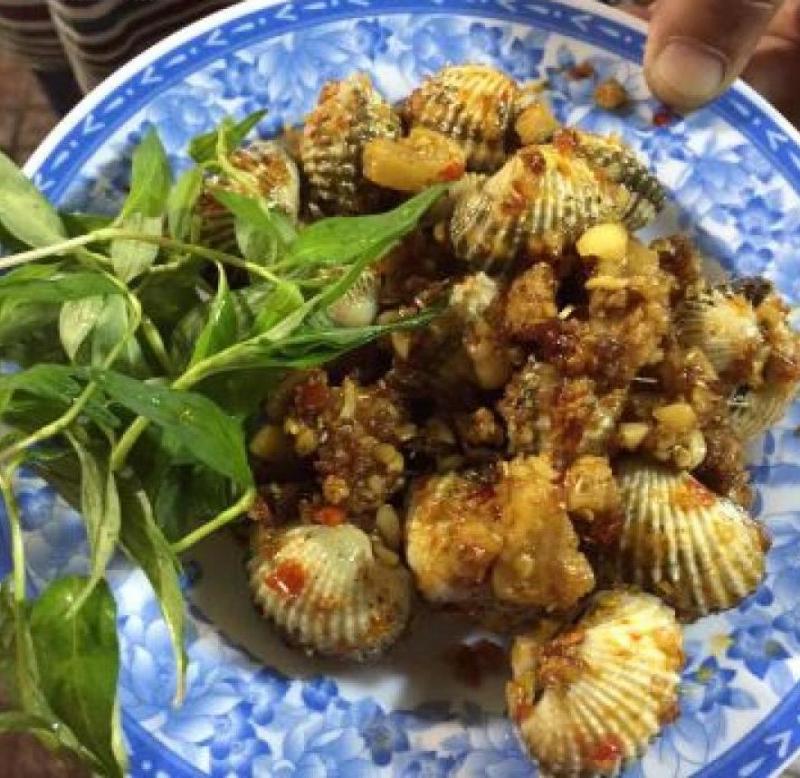 Ngoài ốc, Ốc Giác 59 còn phục vụ các món hải sản khác