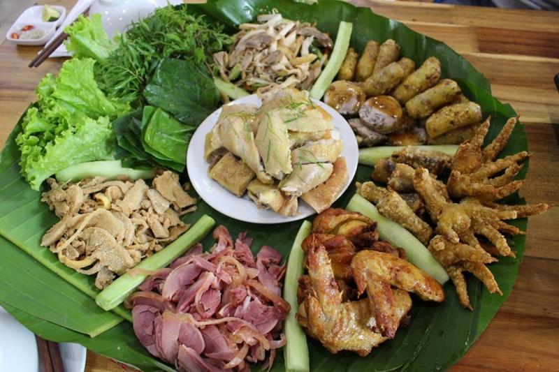 Những đặc sản dân tộc do đầu bếp của Quán Sành chế biến thực không chê vào đâu được.