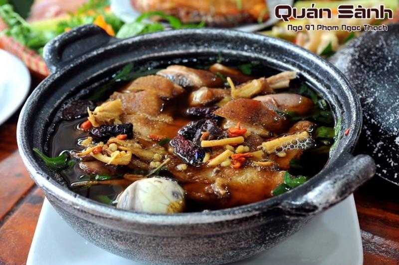 Sành Quán là quán ăn ngon nằm trong khu vực quận Đống Đa