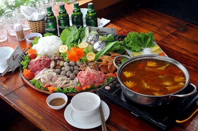 Tại Quán Sành, bạn sẽ tha hồ được thưởng thức những món ăn ngon và mới lạ