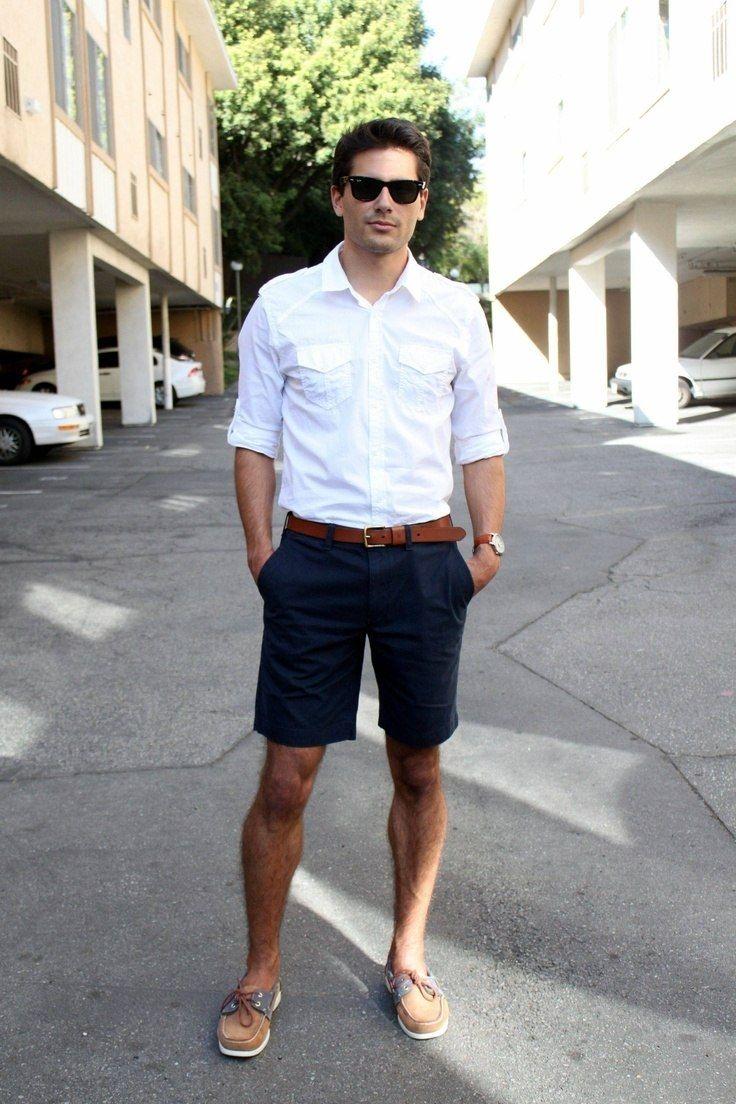 Rất được ưa thích bởi những chàng trai năng động, quần short giúp đem lại sự năng động, trẻ trung cho những người đàn ông trung niên.