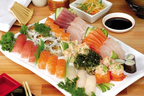 Quán có phục vụ sushi các loại