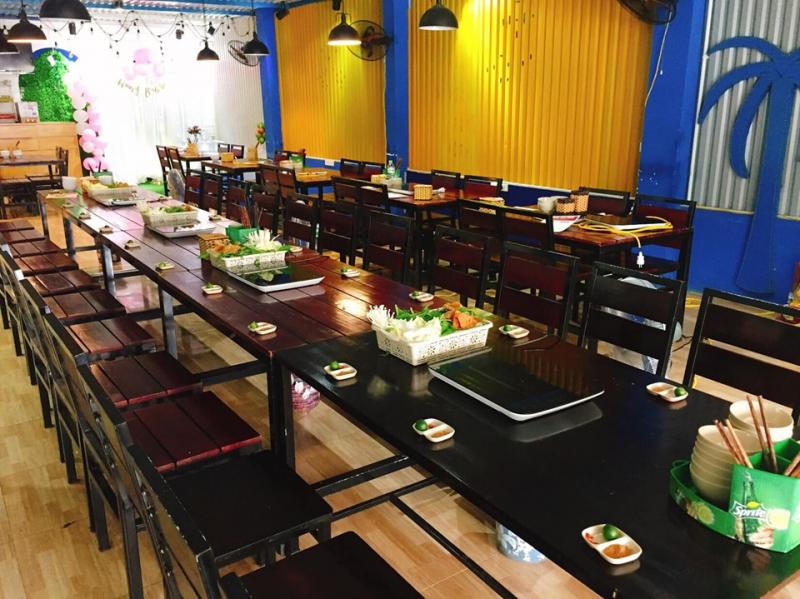 Không gian tại quán Thai Coco