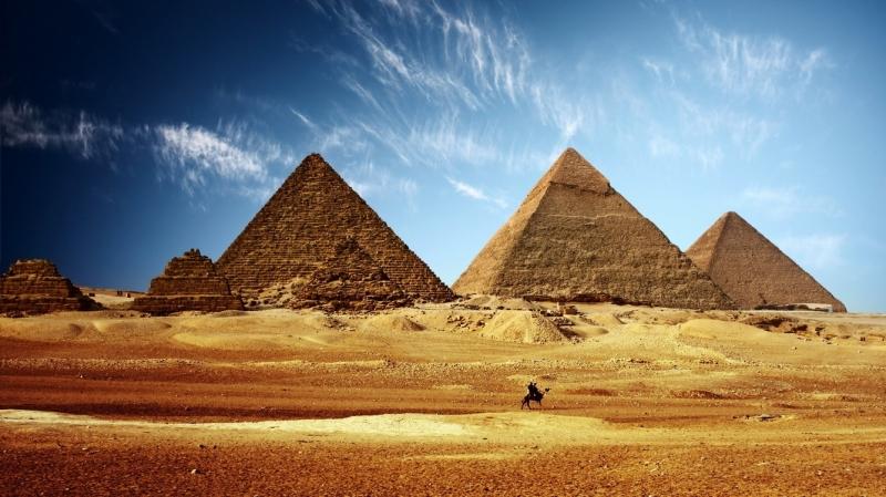 Kim Tự Tháp Giza mang dáng vẻ hùng vĩ