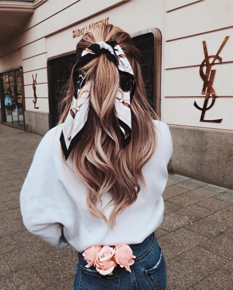 Quấn tóc với khăn lụa