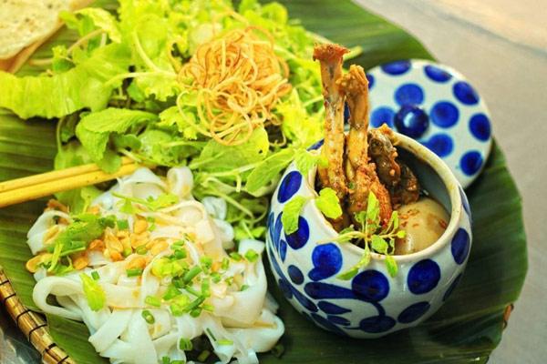 Mì Quảng ếch quán Trang