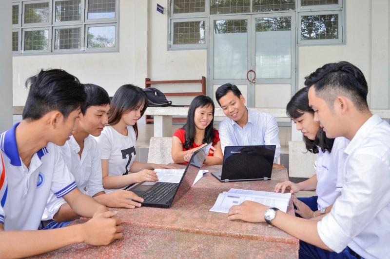 Với chuyên ngành này, nhà trường sẽ đào tạo nên những cử nhân Quản trị kinh doanh tổng hợp có kiến thức khoa học cơ bản, kiến thức nền tảng, chuyên sâu và hiện đại về quản trị kinh doanh