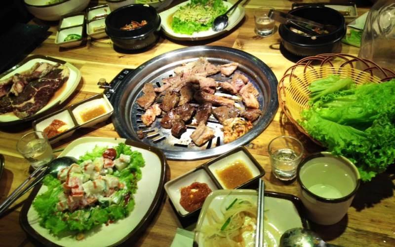 Quán Uông Bí BBQ chuyên phục vụ những món lẩu nướng theo phong cách Nhật Bản