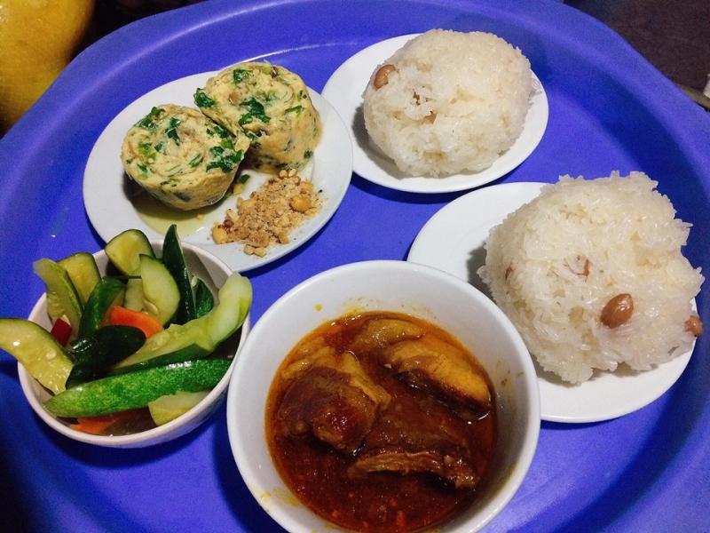 Xôi Yến Thịnh là một trong những quán xôi ngon nhất ở TP. Vinh, Nghệ An