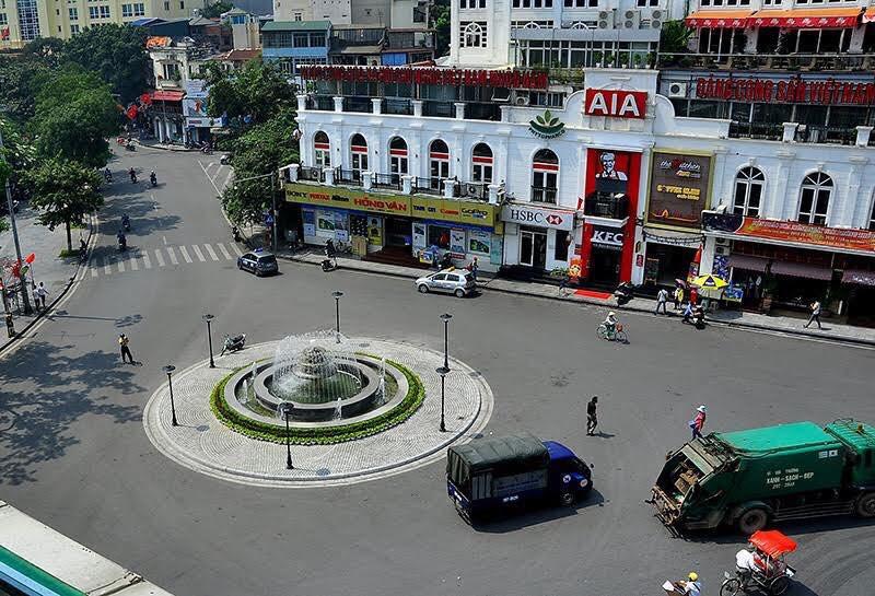 Quảng trường Đông Kinh Nghĩa Thục