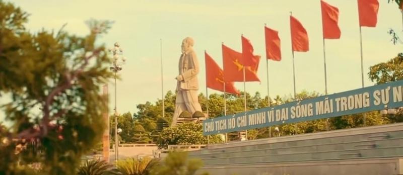 Quảng trường Hồ Chí Minh có khoảng không gian 11 hécta nằm giữa trung tâm thành phố thật yên vắng