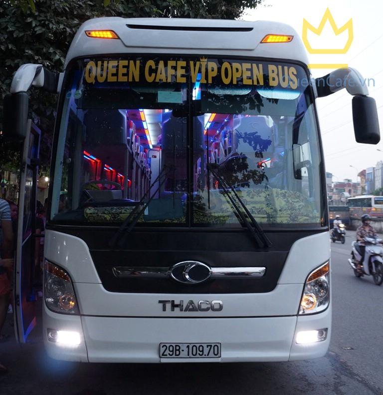 Queen Cafe Open Bus