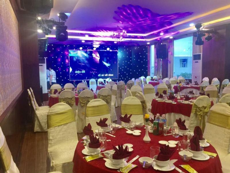 Không gian tiệc cưới Quốc Bảo.