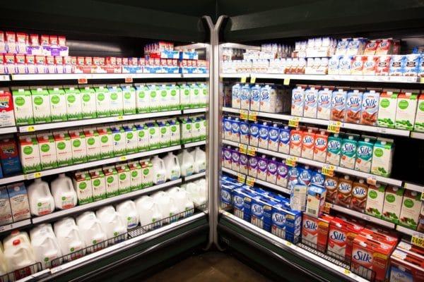 Quy trình sản xuất – Bảo quản – Hạn sử dụng của sữa tươi