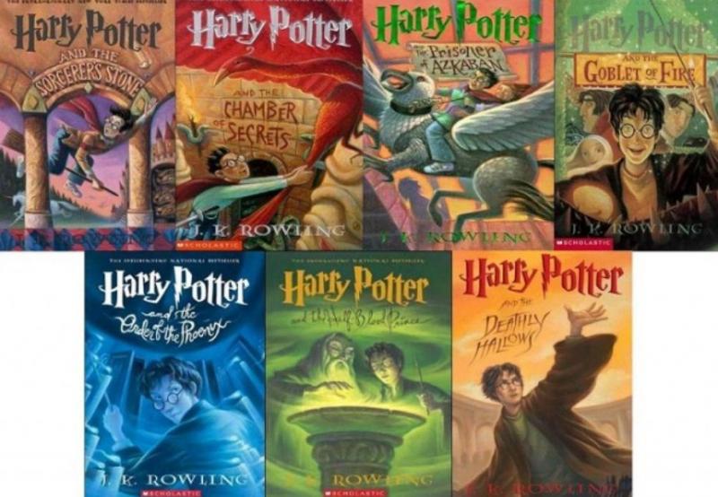 Bộ truyện viết về những cuộc phiêu lưu phù thủy của cậu bé Harry Potter và những người bạn Ronald Weasley, Hermione Granger, được lấy bối cảnh tại Trường Phù thủy và Pháp sư Hogwarts nước Anh