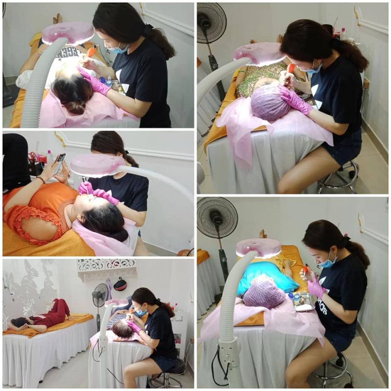 Điều trị mụn tại Quỳnh Anh Spa là lựa chọn đúng đắn, spa giúp loại bỏ tất cả các loại mụn, giải quyết những vấn đề tổn thương sau mụn.