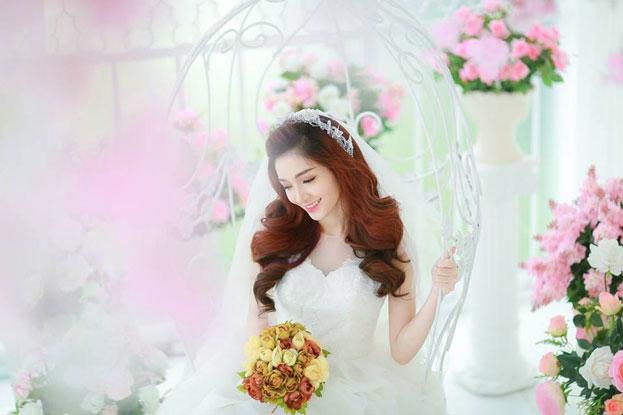 Trang điểm cô dâu trẻ trung, xinh đẹp tại Quỳnh Anh Makeup