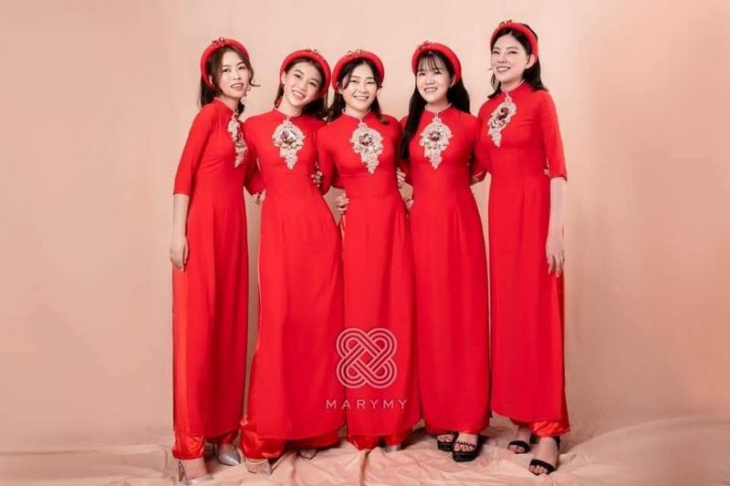 Trang phục biểu diễn Quỳnh Trang