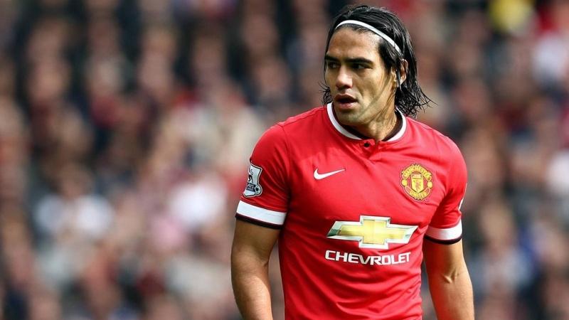 Falcao gây bất ngờ khi đầu quân cho Manchester United