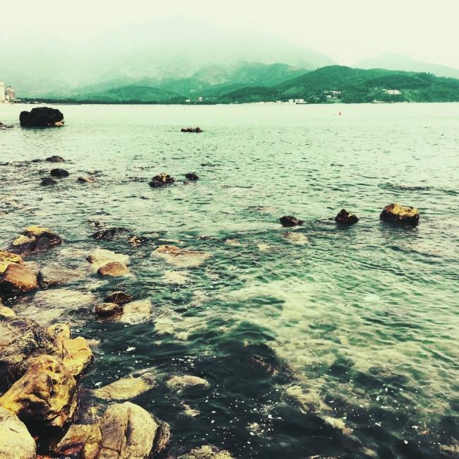 Nước biển luôn xanh trong