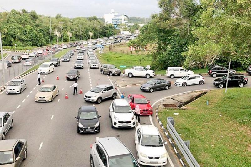 Cả nước Brunei có khoảng 50 taxi để phục vụ nhu cầu du lịch của du khách đến tham quan.