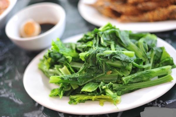 Đặc sản rau cải mèo là một món ăn bình dị dân dã của vùng núi rừng Mộc Châu bạn nên thưởng thức