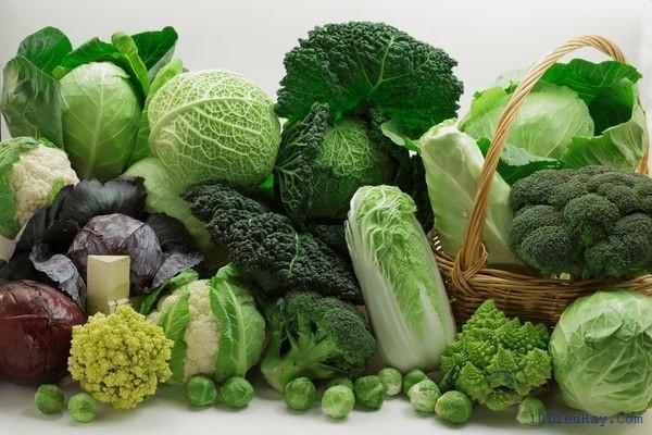 Các rau thuộc họ cải cung cấp chất sắt bổ máu.
