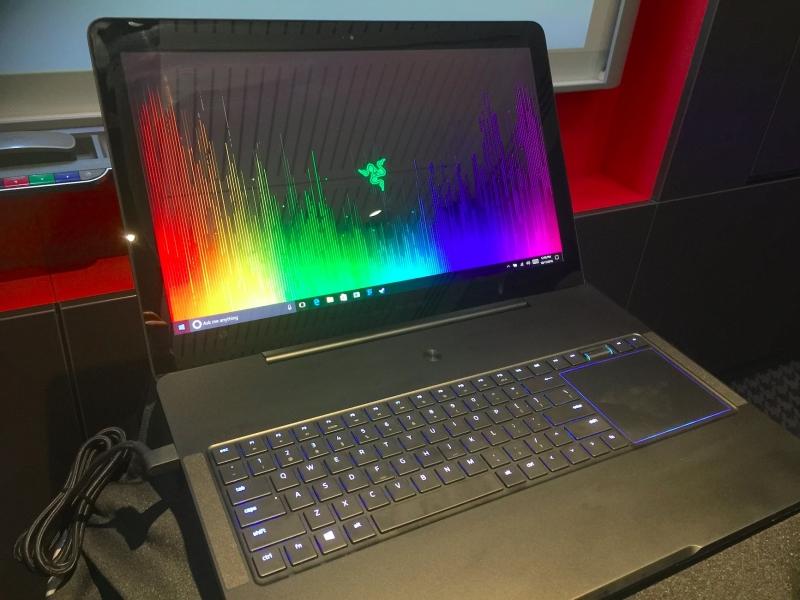 Laptop Razer Blade 15 I7 8750H GTX1070 LCD 144 HZ