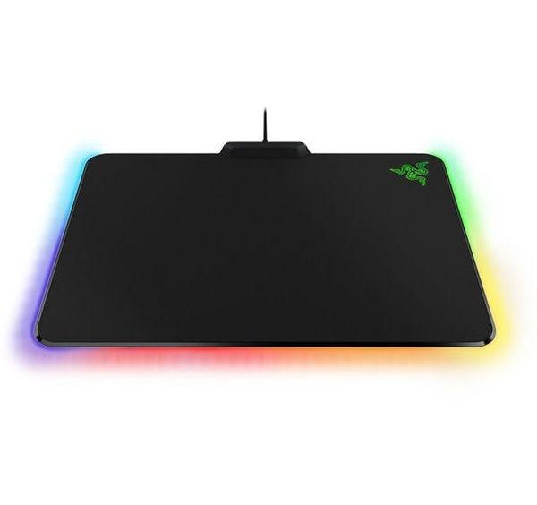 Razer Firefly RGB cam kết sẽ mang lại trải nghiệm chơi game tốt nhất dành cho các game thủ