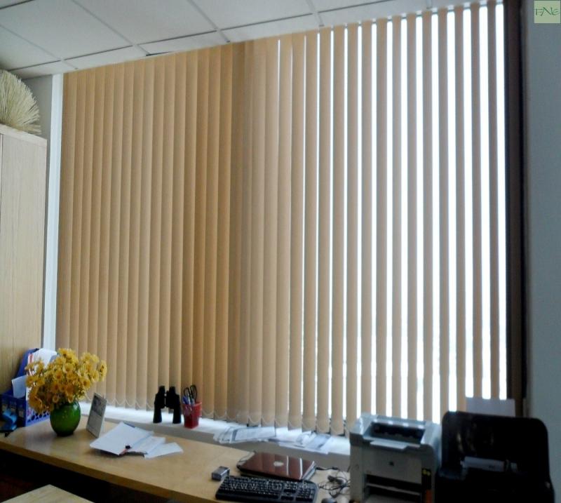 Rèm lá dọc dùng cho văn phòng