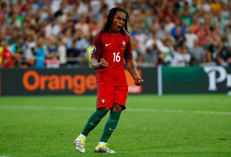 Renato Sanches là cầu thủ trẻ nhất tham dự trận chung kết Euro