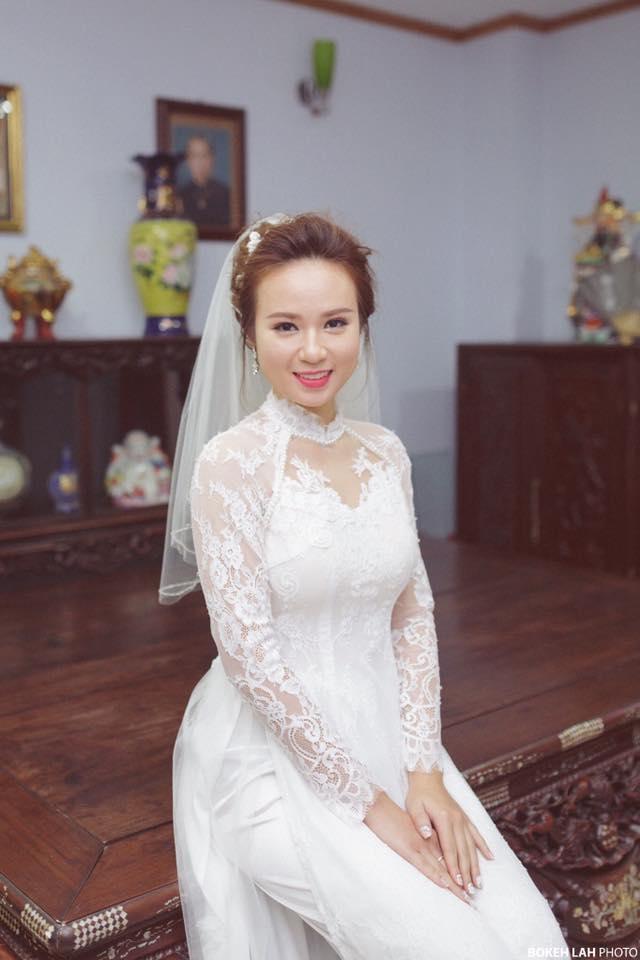 Cô dâu xinh lung linh trong thiết kế áo dài của Ribbon & Lace