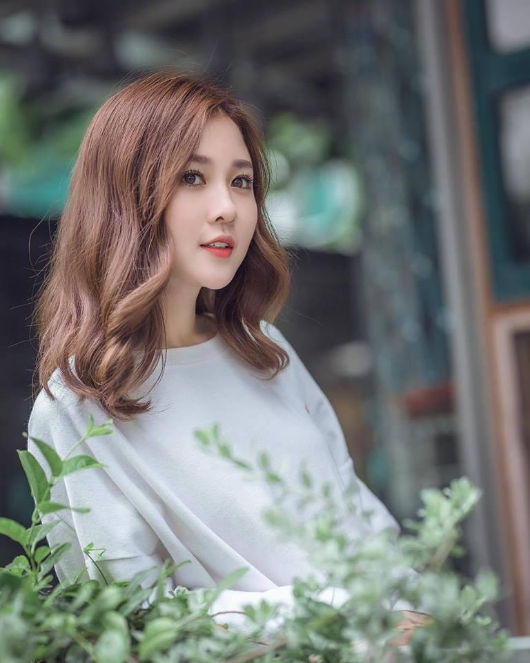 Cô gái Gia Lai với vẻ đẹp trong sáng, thuần khiết, luôn tự tin trước ống kính