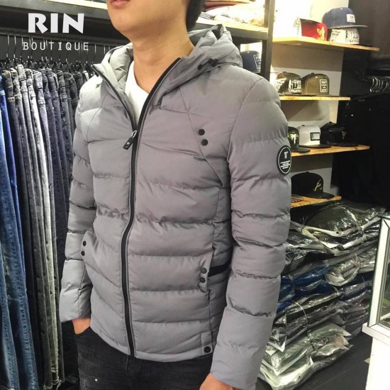 Áo khoác nam tại RIN Boutique có giá là: 790.000 VNĐ (giá khuyến mãi: 630.000 VNĐ)