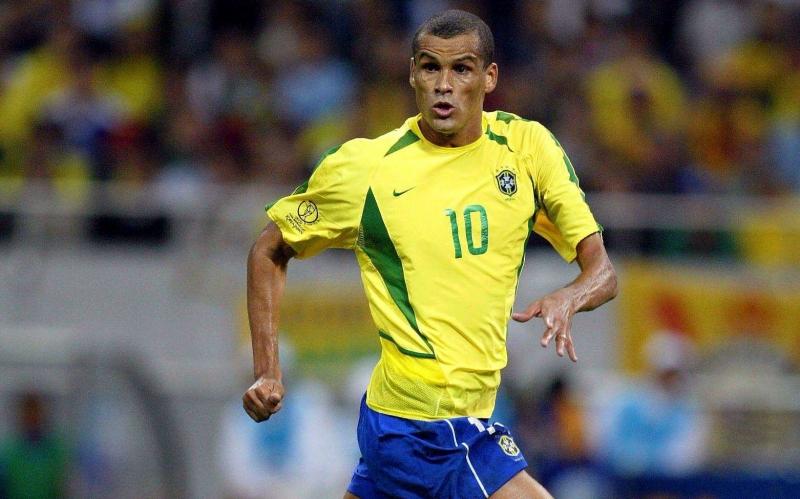 Rivaldo, số 10 từng khuynh đảo thế giới bóng đá một thời