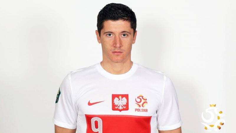 Robert hiện đang mang áo số 9 cho đội tuyển quốc gia Ba Lan