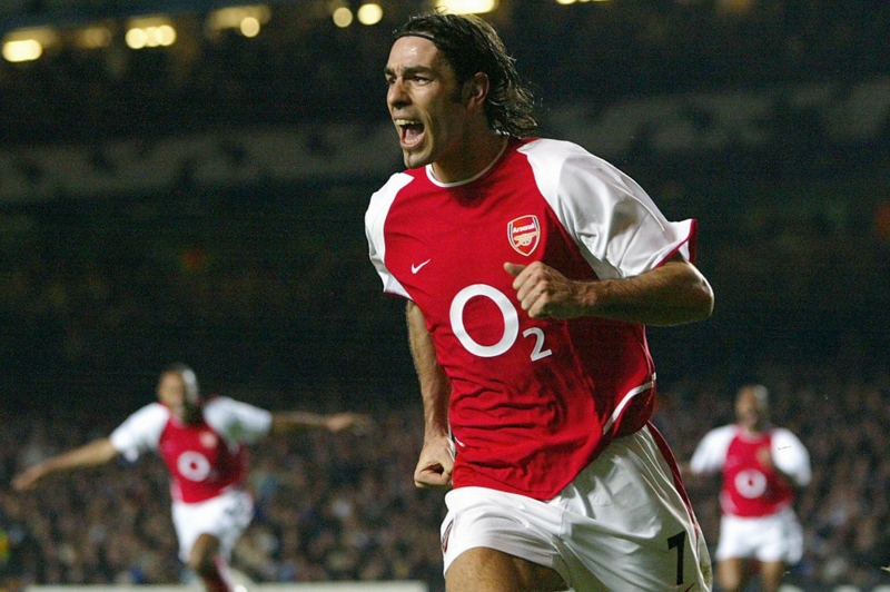 Robert Pires là cầu thủ người Pháp thi đấu cho Arsenal