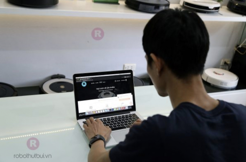 Robot hút bụi - Robotics Việt Nam