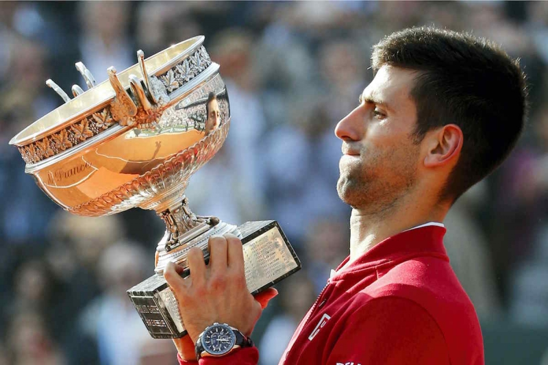Novak Djokovic lần đầu đăng quang tại Roland Garos .