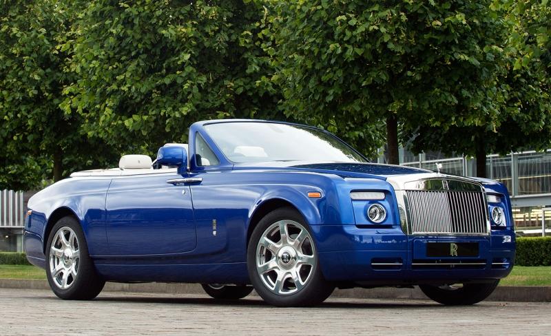 Xe Rolls Royce Phantom Drophead coupe có giá 1,6 triệu USD