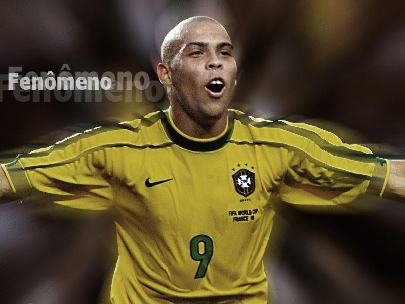 Ronaldo de Lima huyền thoại bóng đá người Brazil