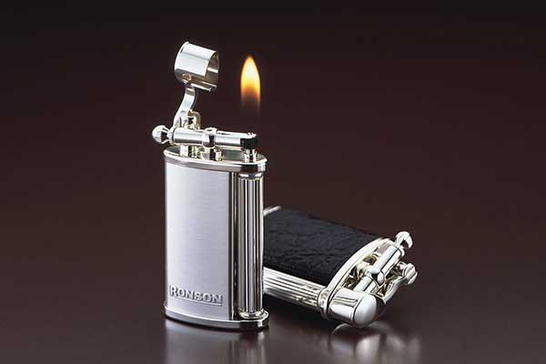 Ronson là một công ty chuyên sản xuất bật lửa hàng đầu thế giới